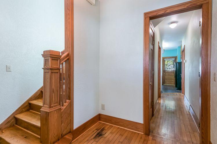 Foyer Photo #31