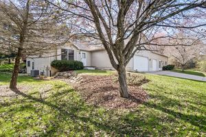 27553 Hickory Hill Pl Photo 2