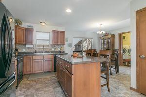 Kitchen4377 Singel Way Photo 19