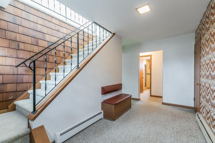 Foyer Photo #33