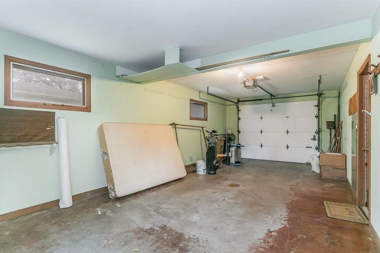 Garage Photo #45