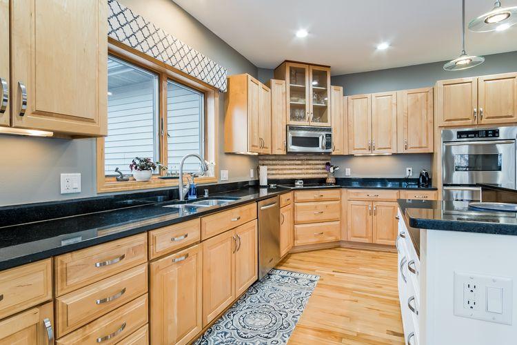 Kitchen Photo #14
