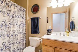 Bathroom1136 Black Oak Tr Photo 26