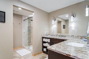 Bathroom1136 Black Oak Tr Photo 42