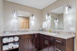 Bathroom1136 Black Oak Tr Photo 43