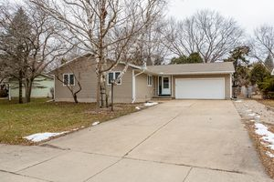 21430 Lucy Ln Photo 2