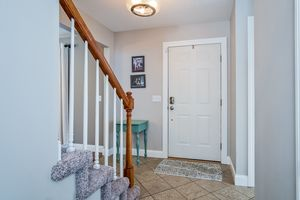 Foyer3722 Woodstone Dr Photo 5