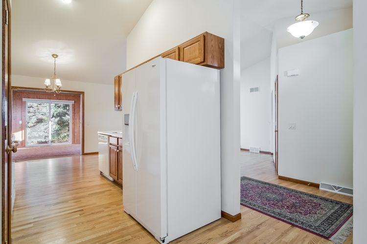 Kitchen Photo #8