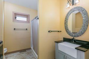 Bathroom22 Oak Park Way Photo 25