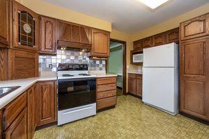Family Room5229 Dorsett Dr Photo 17