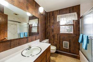Bathroom5229 Dorsett Dr Photo 30