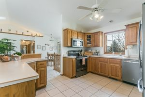Kitchen921 Eddington Dr Photo 2