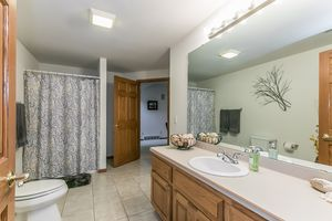 Bathroom921 Eddington Dr Photo 24