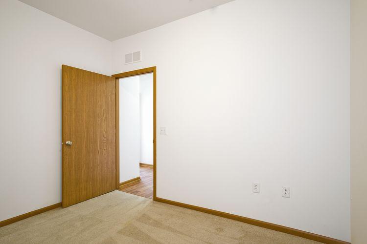Bedroom Photo #23