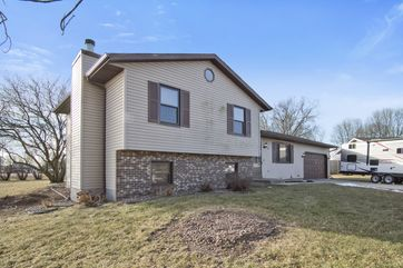 913 LINCOLN GREEN CT DeForest, WI 53532 - Image 1