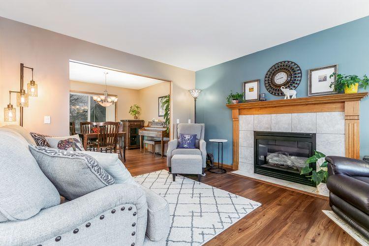 Living Room Photo #1