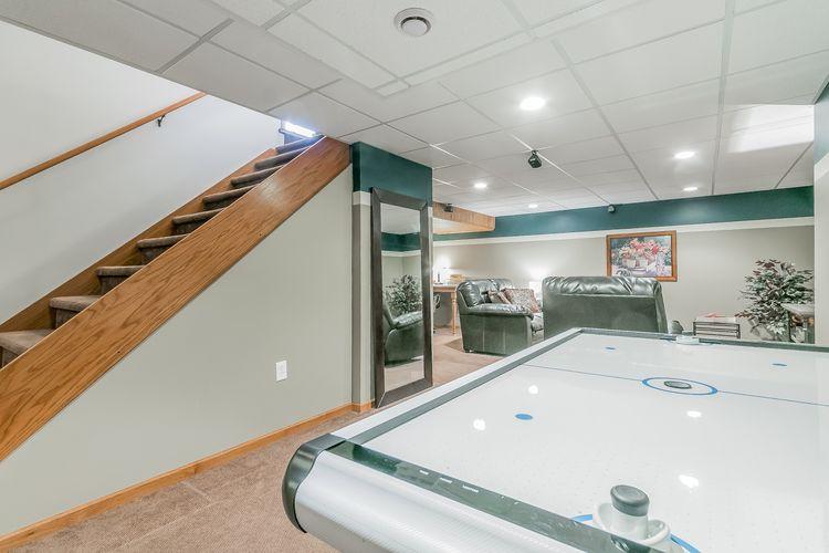 Recreation Room Photo #20