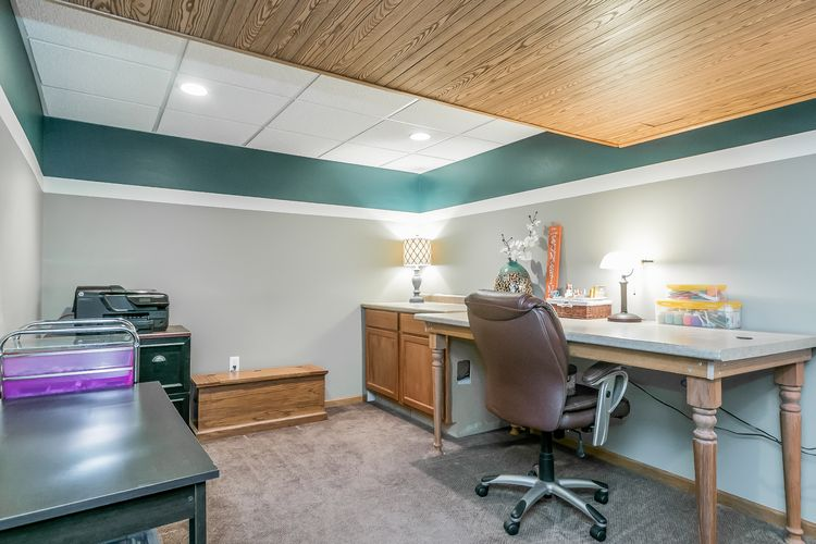 Office/Craft Space Photo #24