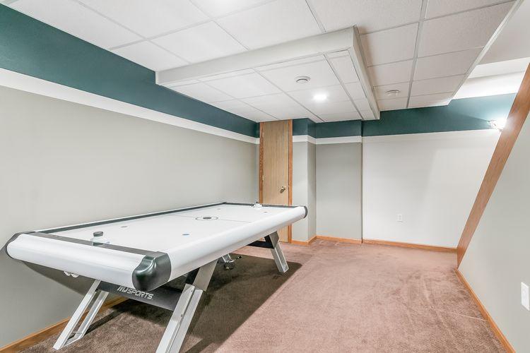 Recreation Room Photo #39