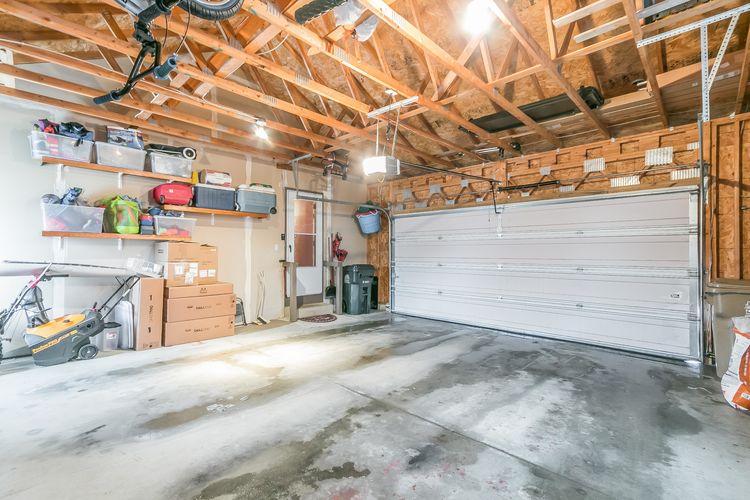 Garage Photo #40