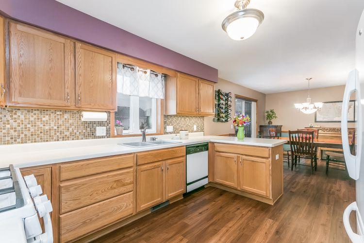 Kitchen Photo #5