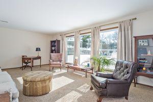 Living Room1 Yorktown Cir Photo 3