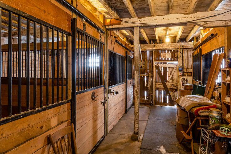 Barn Photo #25