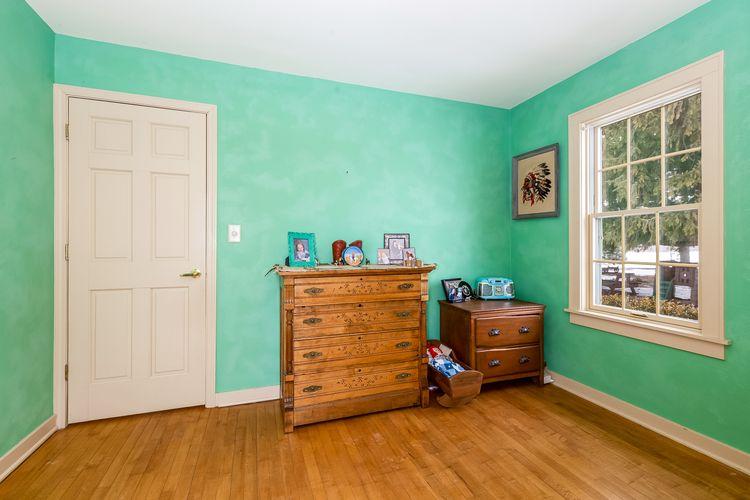 Bedroom Photo #38