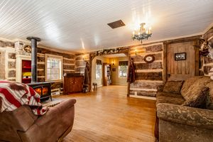 Living Room1271 Lein Dr Photo 4