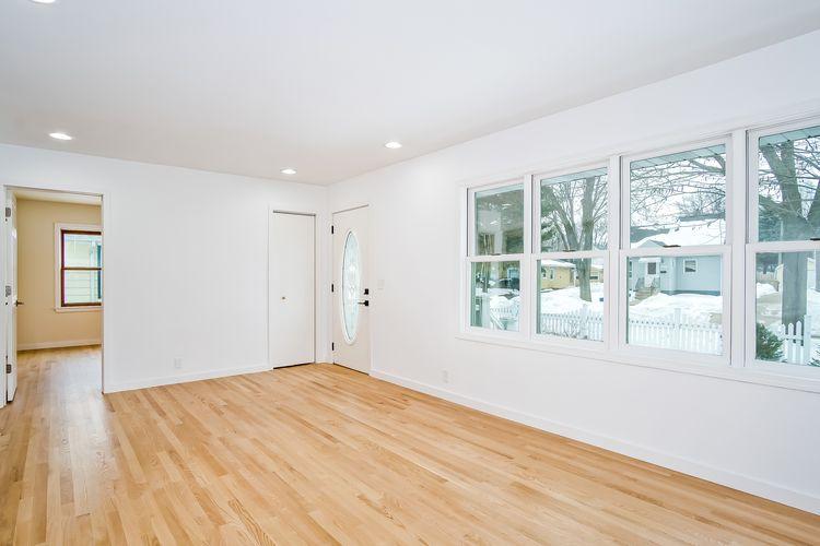 Living Area Photo #2