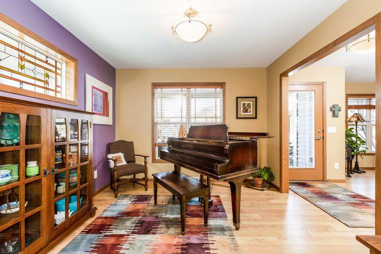 Piano Room Photo #18