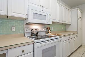 Kitchen4922 N Sherman Ave D Photo 12
