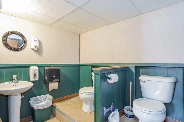 Powder Room Photo #21