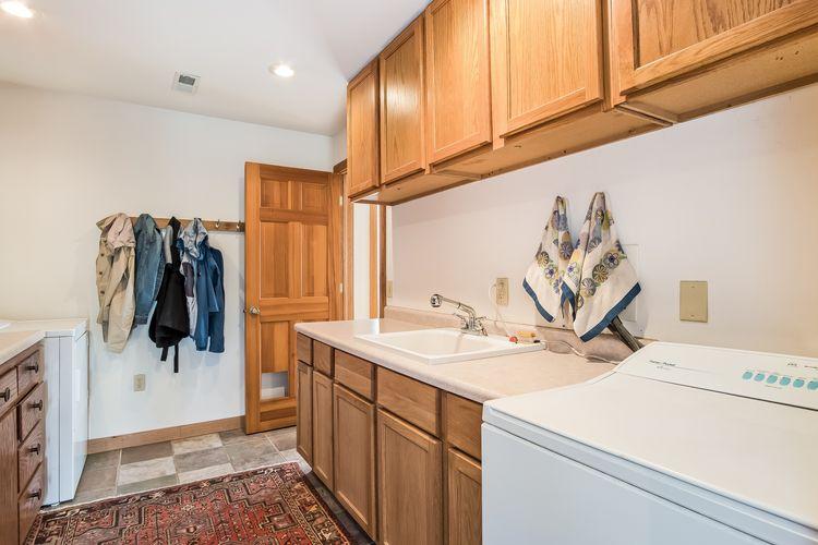 Laundry Room Photo #19