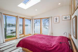 Master Bedroom2874 Lakeside St Photo 32