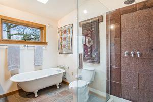 Bathroom2874 Lakeside St Photo 38