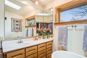 Bathroom2874 Lakeside St Photo 39