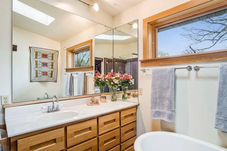 Bathroom Photo #39