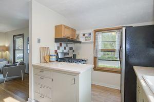Kitchen2915 STEVENS ST Photo 10