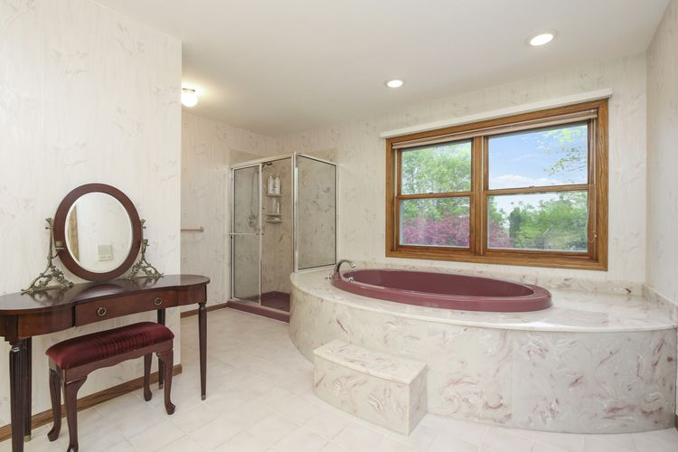 Master Bathroom Photo #18
