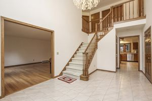 Foyer7409 Welton Dr Photo 3