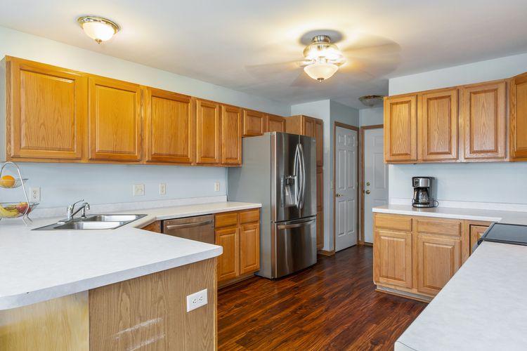 Kitchen Area Photo #9