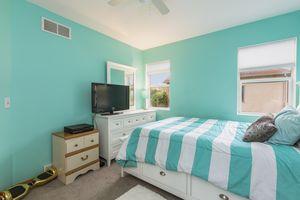 Bedroom525 Lexington Dr Photo 21