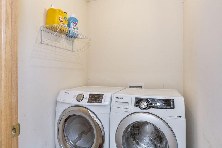 Laundry Room Photo #22