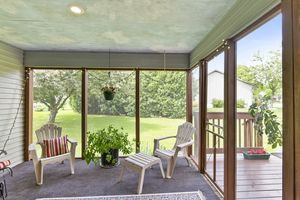 007-photo-sunroom-7123431.jpg1101 Spahn Dr Photo 7