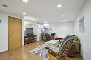 Family Room1401 BULTMAN RD Photo 18