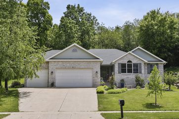 1301 Kings Lynn Rd Stoughton, WI 53589 - Image