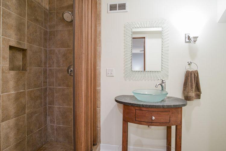 Bathroom Photo #22