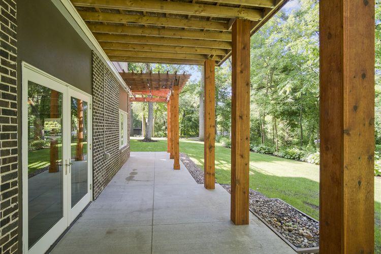 Porch Photo #37