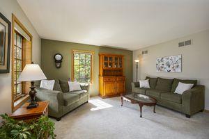 Living Room1624 Erin Hill Photo 3